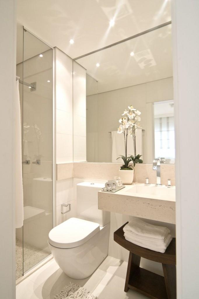 bathroom mirrored cabinet