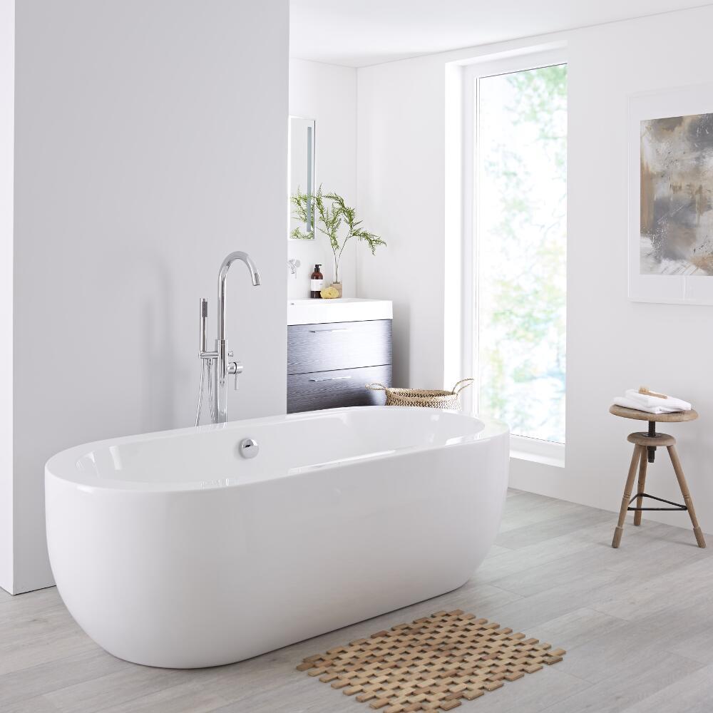 Bath in the bathroom) 4