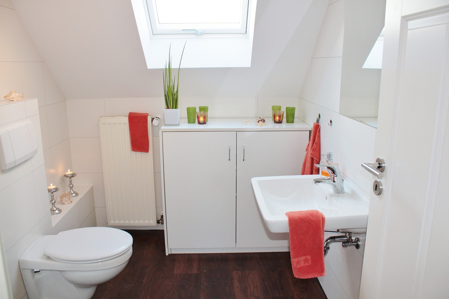 How to Add Personality and Style to White Bathroom Suites