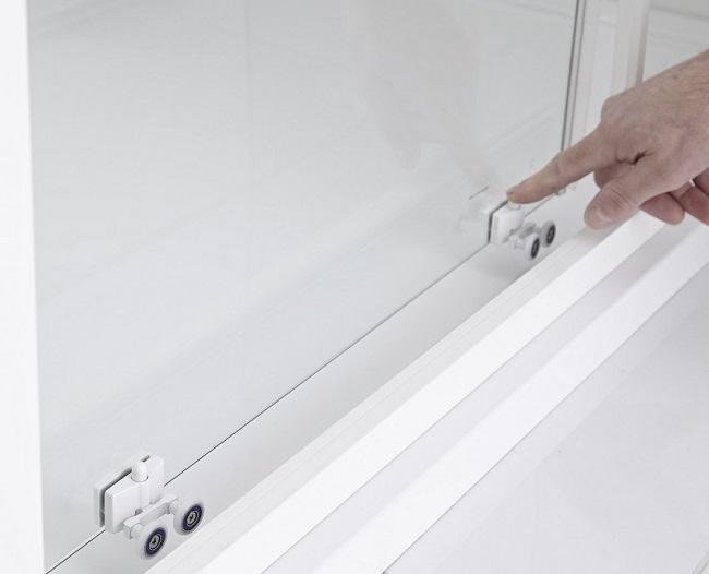 quick-release-shower-door