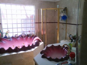 shell bathroom suite