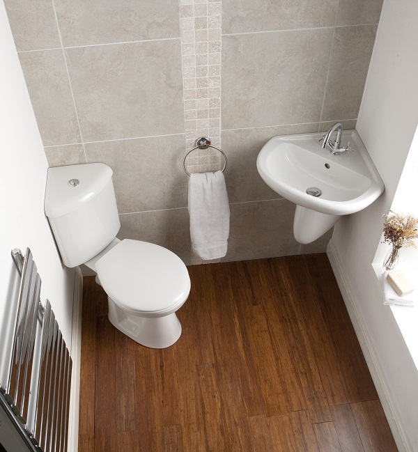 How can i make my small bathroom look bigger for Small bathroom ideas uk