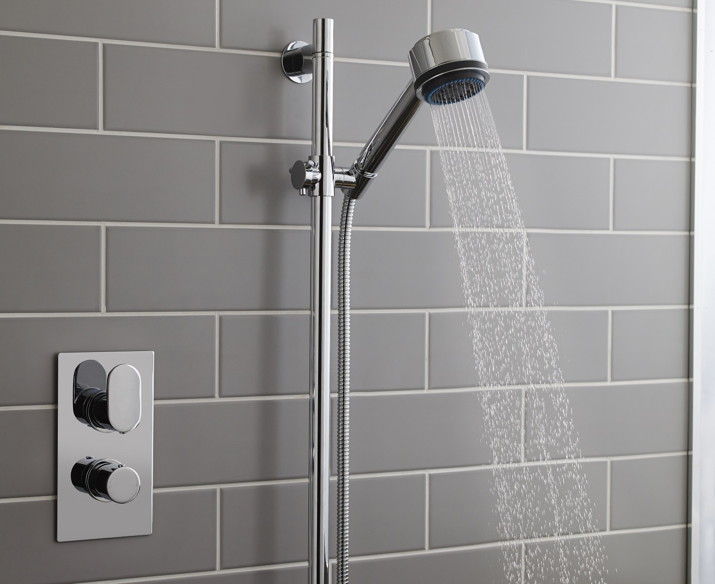 how to descale a shower head big bathroom shop. Black Bedroom Furniture Sets. Home Design Ideas