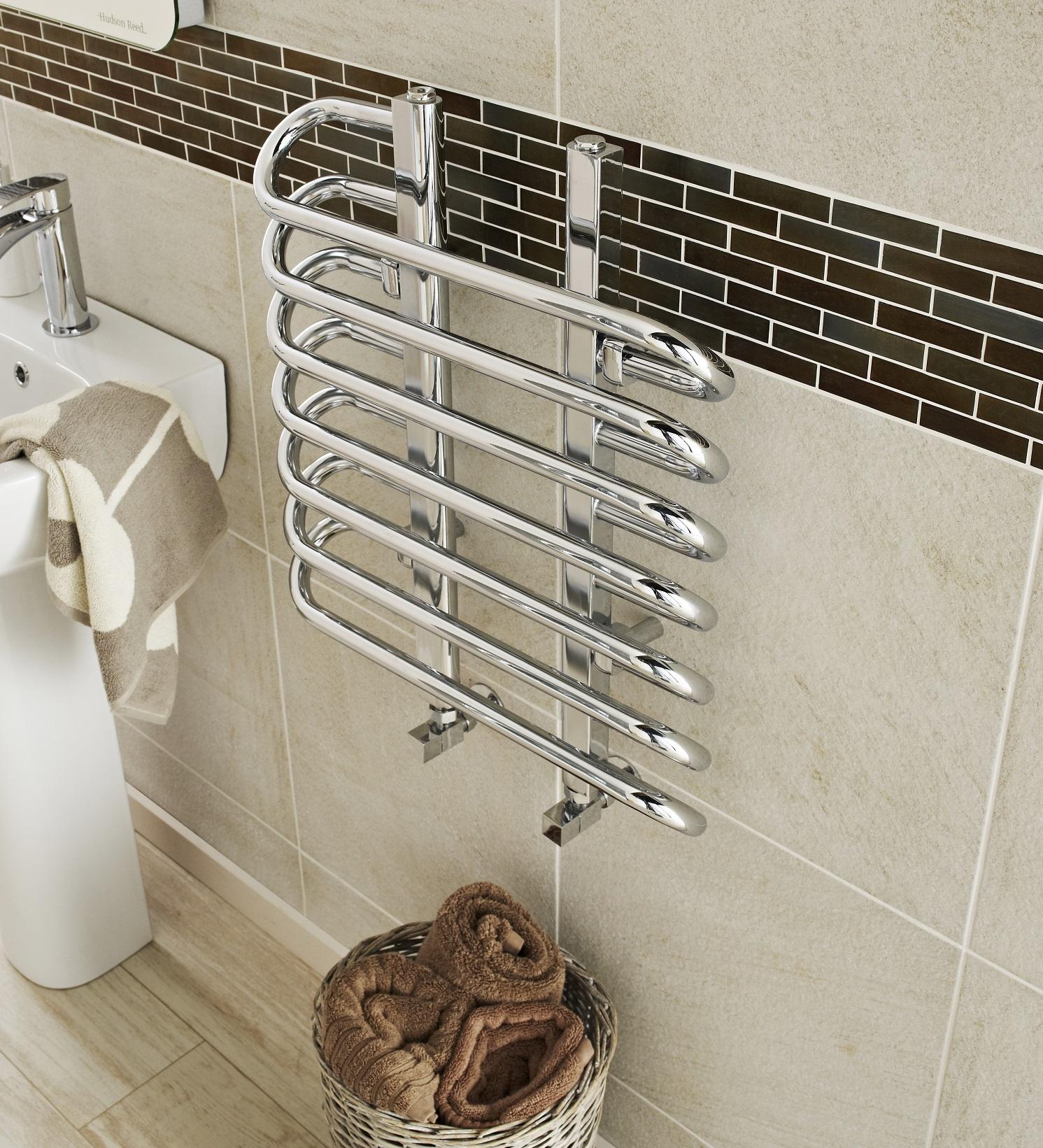 Bathroom heated towel radiators - Should I Choose A Plumbed Or Electric Bathroom Towel Rail
