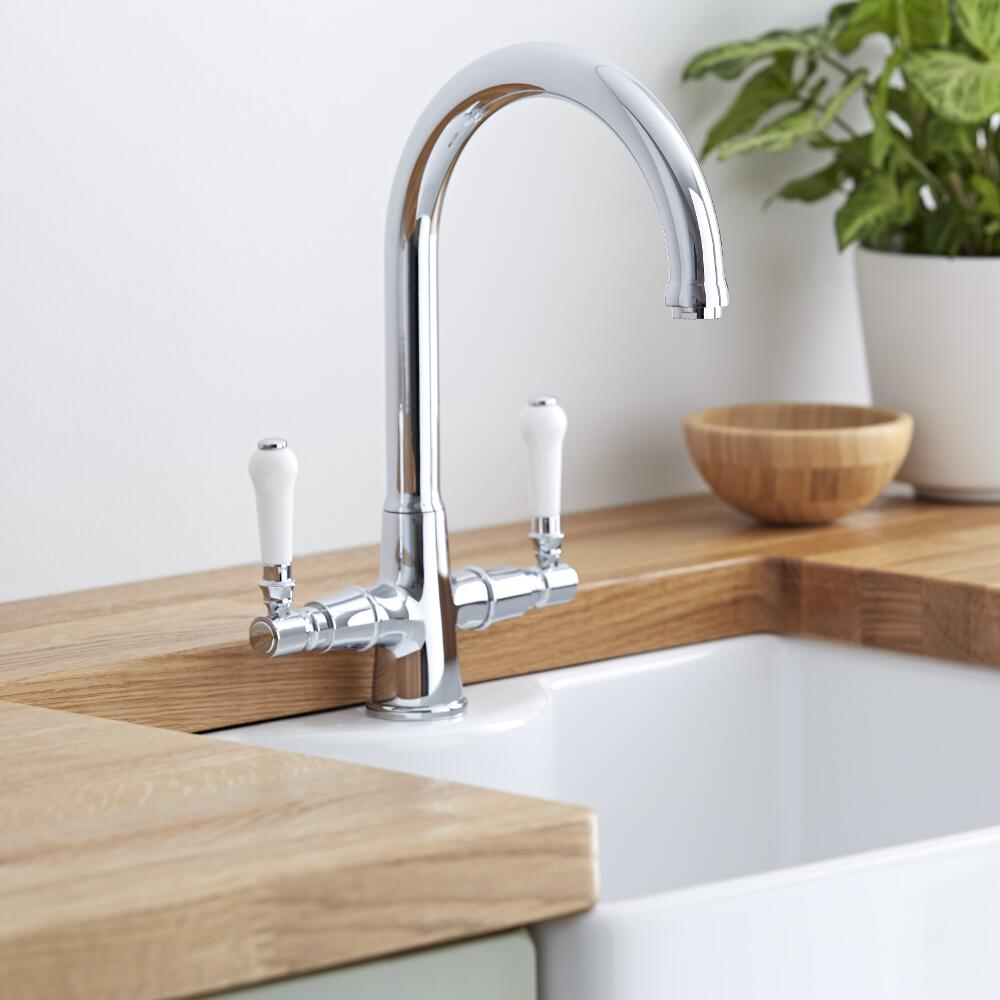 The kitchen tap buyer 39 s guide bigbathroomshop for Traditional kitchen taps